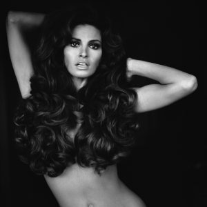Terry O'Neill Raquel Welch - Ashcroft Art